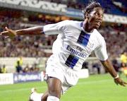 Hành động ăn mừng bàn thắng của Drogba sẽ lặp lại nhiều lần ở mùa này?