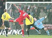 Pha ghi bàn của Gerrard trong trận lượt về.