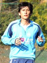 Koji Nakata hội ngộ với thày cũ Philippe Troussier tại OM.