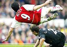 Cuộc chiến giữa Arsenal và MU luôn nóng bỏng.