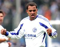 Ailton đạt mốc 100 bàn tại Bundesliga.