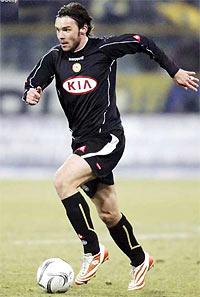 Jankulovski là một trong những tiền vệ trái hay nhất châu Âu ở thời điểm này.