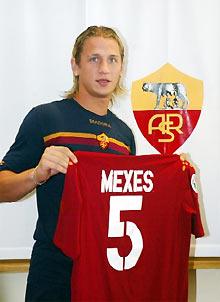 Vụ Mexes đang làm Roma khốn đốn.