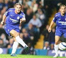 Lampard hai lần lập công đêm qua.