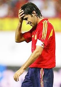 Raul vinh dự phá lưới Serbia nhưng vẫn buồn.