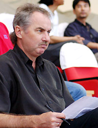 HLV Riedl đang rất lo lắng cho thành tích của đội U23 ở SEA Games 23. Ảnh: Anh Tuấn