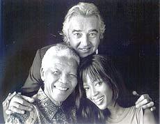 Briatore cùng cựu tổng thống Nam Phi Nelson Mandela và siêu mẫu