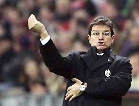 HLV Capello chỉ đạo trong trận Juve thua Milan 1-3 ở San Siro mới đây.