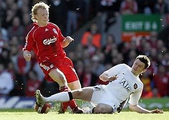 Liverpool sẽ cảnh giác hơn sau bài học MU?