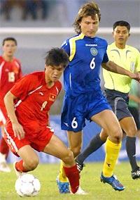 Quả bóng vàng 2006 Công Vinh tiếp tục là thủ lĩnh của đội U23. Ảnh: Trường Huy