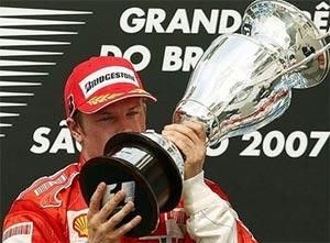 Kimi Raikkonen được khẳng định là nhà vô địch thế giới 2007.