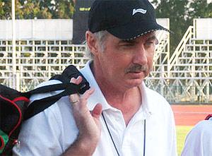 Ông Riedl phải chia tay bóng đá Việt Nam trước thời hạn. Ảnh: Hồng Quân.