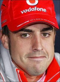 Fernando Alonso mùa trước chiến thắng GP Anh khi đua cho Renault, còn lần này thi chưa chắc. Ảnh: AFP.