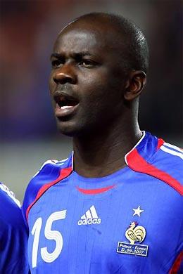 Hậu vệ 36 tuổi từng thi đấu nhiều năm tại Serie A và Liga, những giải vô địch khốc liệt nhất.