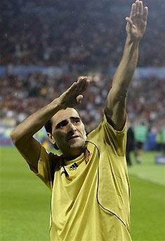 Guiza ăn mừng sau bàn thắng vào lưới Nga ở vòng bán kết.