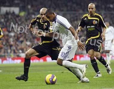 Bán Robinho, đội bóng Hoàng gia Tây Ban Nha lãi hơn 30 triệu USD.