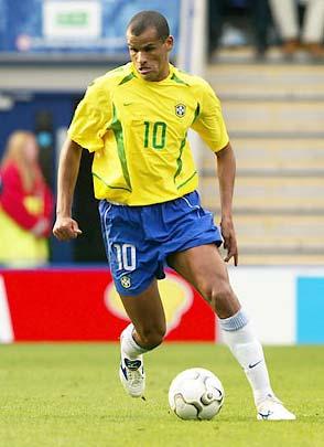 Rivaldo từng thi đấu rất hay tại Á châu - World Cup 2002 tại Nhật Bản và Hàn Quốc.