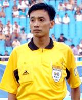 Trọng tài Võ Minh Trí.