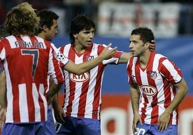 Aguero (giữa) có sự trở lại hoàn hảo.