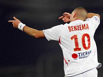 Benzema chưa có nhiều kinh nghiệm thi đấu, và bằng chứng là anh thi đấu không thành công tại Euro 2008.