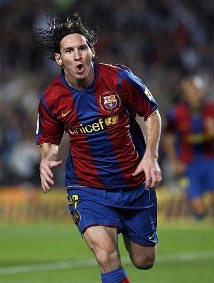 Ở một đội bóng lớn như Barca, rất nhiều công ty muốn nhảy vào giành hợp đồng tài trợ.