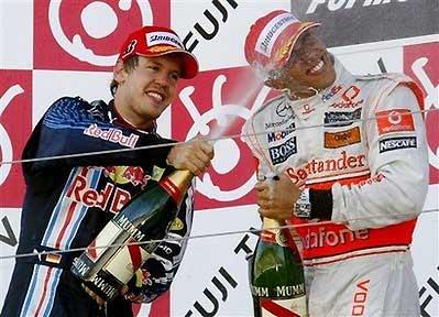 Vettel có thể hài lòng với ngôi á quân nếu vượt qua Barrichello.