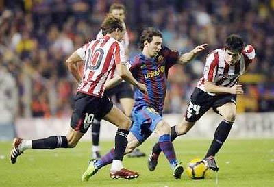 Một mình Messi khó thể tạo ra đột biến nếu Barca không có Ibra và Henry.