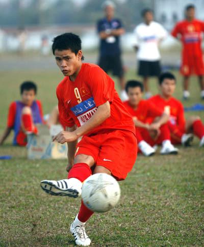 Tiền đạo Đình Tùng nhiều khả năng vào sân từ đầu, khi hai tiền vệ Trọng Hoàng và Quý Sửu vắng mặt. Ảnh: An Nhơn.