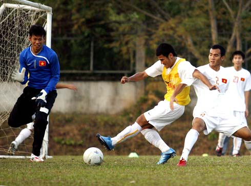 Thanh Bình trong một pha tập tấn công.