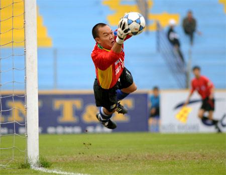 Dương Hồng Sơn đã trở lại thi đấu cùng T&T, nhưng cần thêm thời gian để quay lại tuyển. Ảnh: Hoàng Hà.