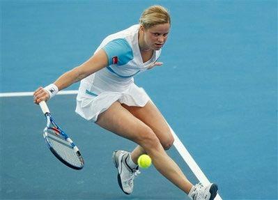 Kim Clijsters vất vả giành vé vào bán kết. Ảnh: AP.