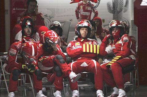 Một ngày buồn của đội đua Ferrari.