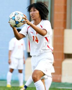 Kim Chi cũng từng giành Quả bóng Vàng nữ năm 2007. Ảnh: An Nhơn.