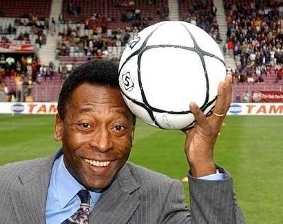 Pele là người chuyền bóng quyết định cho Carlos Alberto ghi bàn.