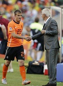 Người kế nhiệm Van Basten sau Euro 2008 tỏ ra khá mát tay.