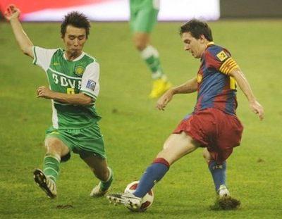 Messi có khả năng lên ngôi tiền đạo hay nhất UEFA mùa 2009-2010