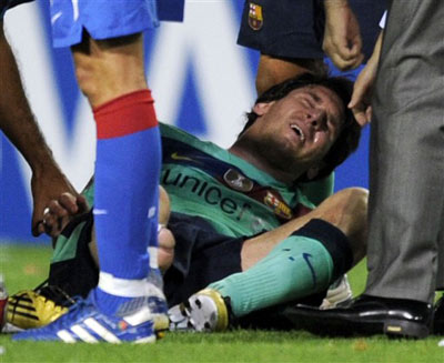 Messi có thể phải nghỉ thi đấu nhiều trận.