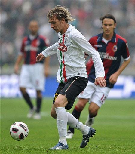Ancelotti không đánh giá cao vai trò của Krasic (áo trắng) ở Juventus. Ảnh: AFP.