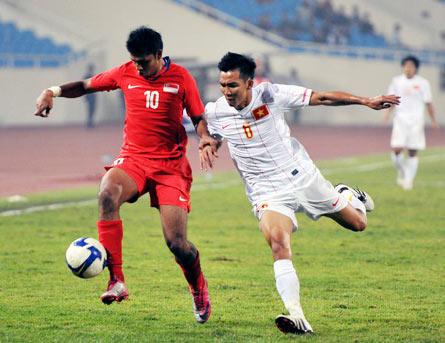 Việt Nam và Singapore sẽ gặp lại nhau ở vòng bảng AFF Cup vào tháng 12. Ảnh: Hoàng Hà.