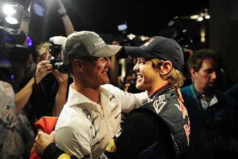 Michael Schumacher chúc mừng ngôi vô địch của người đồng hương.