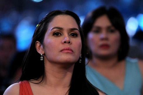 Vợ Manny Pacquiao trực tiếp xem chồng thi đấu.