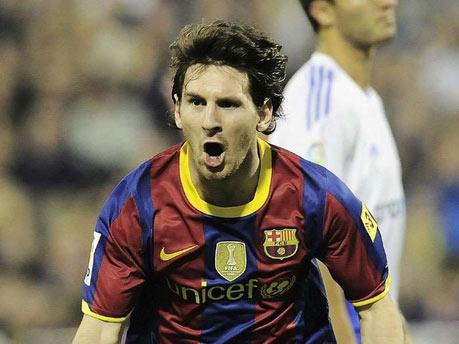 Messi vui mừng sau bàn thắng vào lưới Zaragoza.