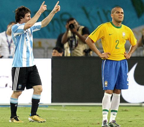 Messi là sự khác biệt lớn nhất làm nên kết quả thắng thua trong cuộc so tài của hai ông lớn Nam Mỹ ở Doha. Ảnh: Mowas Press.