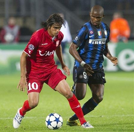 Inter từng chơi chật vật trước Twente khi có đội hình gần như mạnh nhất. Ảnh: AFP.