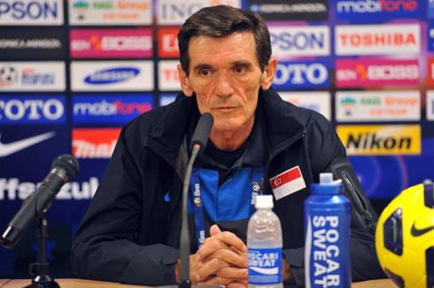 Avramovic tiếc nuối vì những cơ hội bị bỏ lỡ và chút lơ là của học trò. Ảnh: AFF Suzuki Cup.