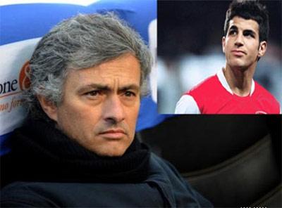Trước đây, hồi mới đến Real, Mourinho cũng đã úp mở ý định chiêu mộ Fabregas.