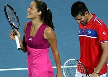 Ivanovic (trái) và Djokovic đang là hai ngôi sao của làng quần vợt Serbia.