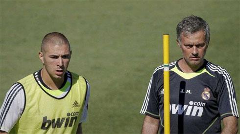 Mourinho bị cho là cố tình phớt lờ Benzema. Ảnh: AS.