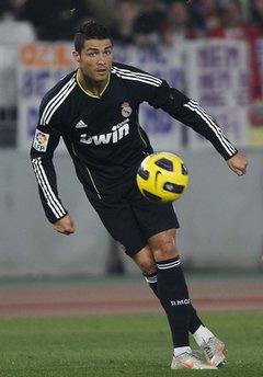 Sovowis Balotelli, Ronaldo có lẽ khiêm nhường hơn nhiều.
