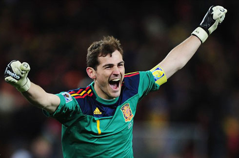 casillas-1295542800.jpg